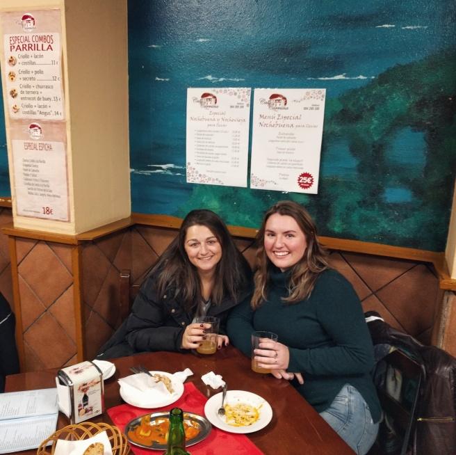 Fernweh & a friend eat morcilla, sidra, and patatas bravas in Oviedo, Asturias, Spain.