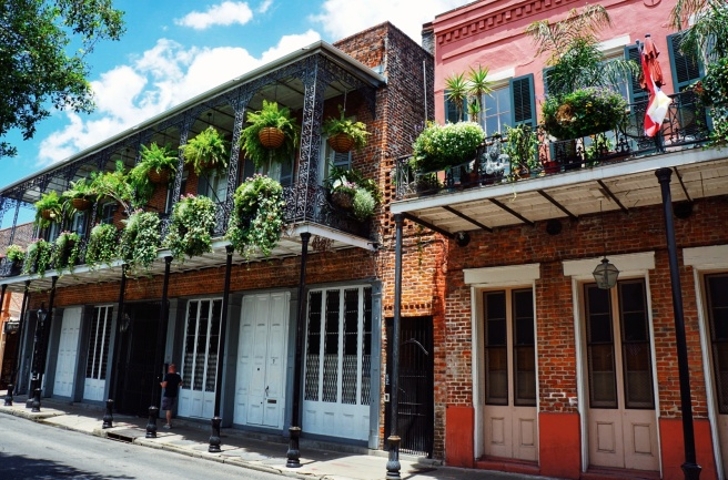 french-quarter-buildings-new-orleans