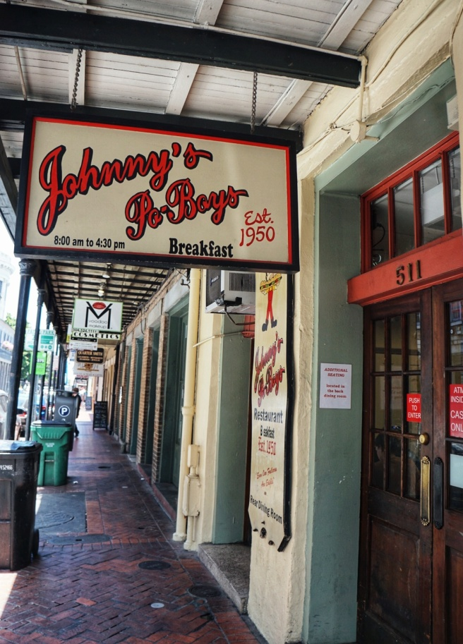 johnny's-po-boys-new-orleans